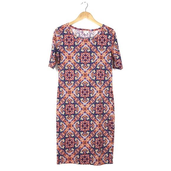 LuLaRoe Dresses & Skirts - LulaRoe Julia Dress Size Medium 8-10